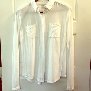 White blouse, a classic!